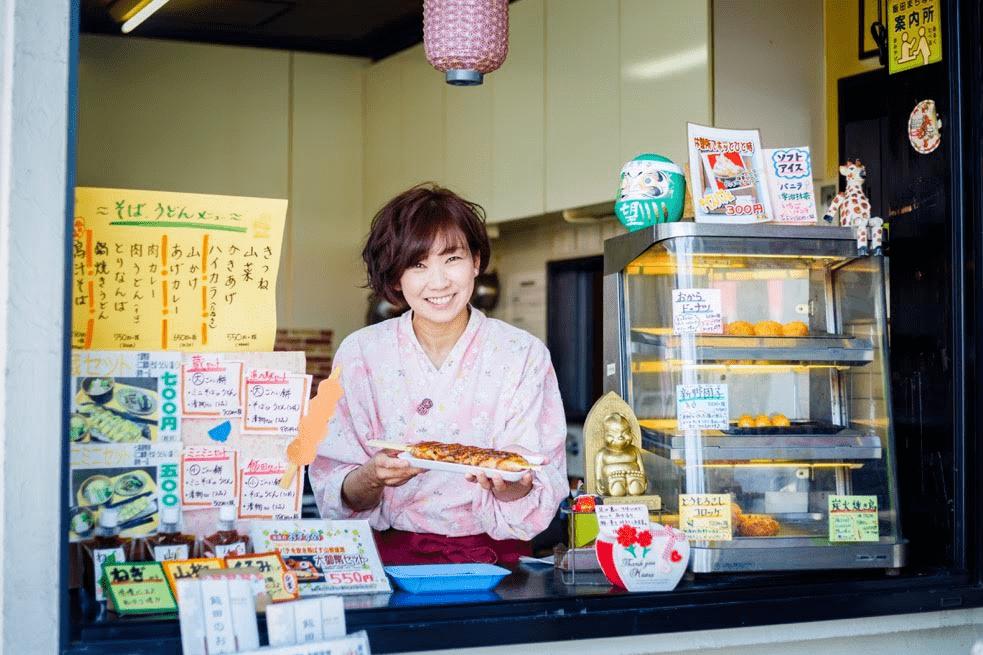 関西出身の御弊餅店 店長 日野 美紀さん